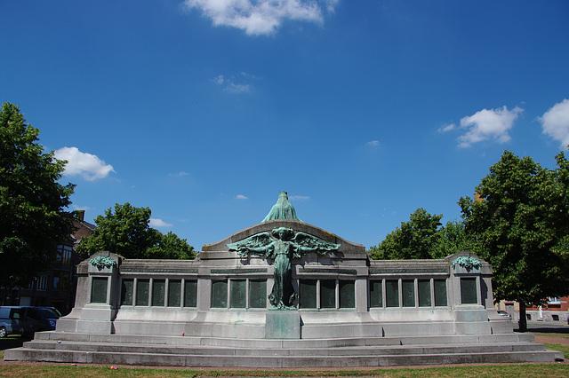 Monument aux Morts 'Patria'