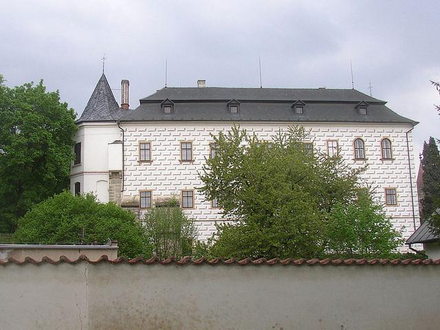 Slatiňany - kastelo kun unika hipologia muzeo