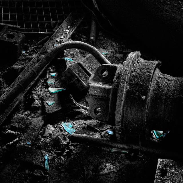 broken_blue