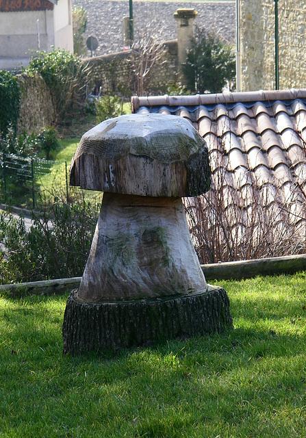 Statue de champignon ?
