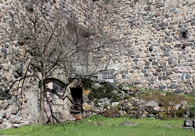 Dans Goudet, un coin ancien non rénové qui a son charme