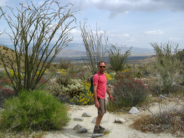 Kirk on the trail to Maidenhair Falls in Anza-Borrego (1660)
