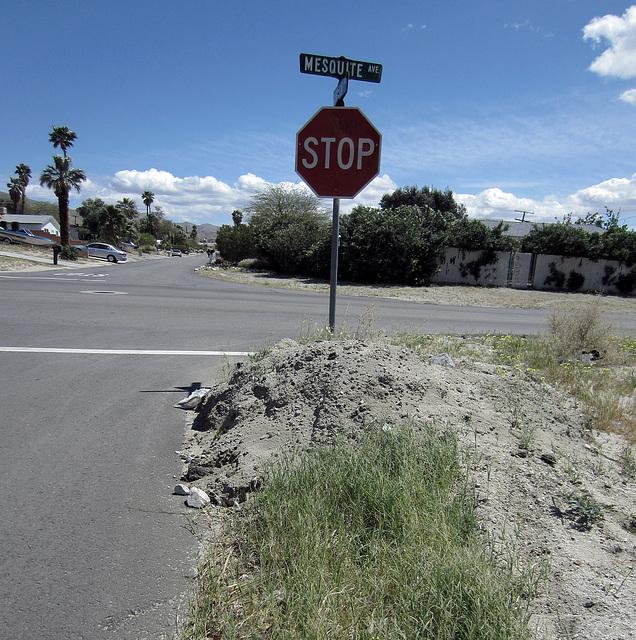 Mound of dirt at Mesquite & Cahuilla (0305)