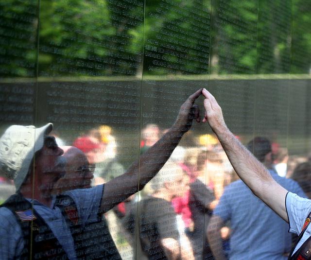 51.VietnamVeteransMemorial.WDC.22May2009
