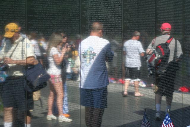 58.VietnamVeteransMemorial.WDC.22May2009