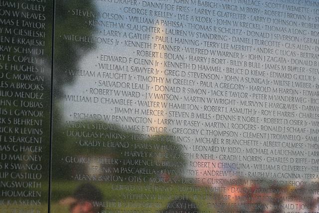 59.VietnamVeteransMemorial.WDC.22May2009