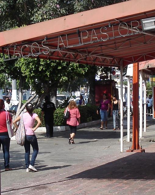 Acapulco, Guerrero, Mexico / 8 février 2011 - Tacos al pastor.