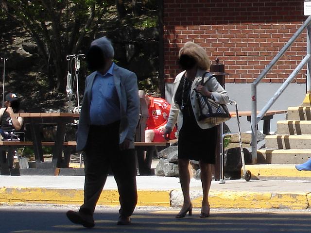 Montréal, Québec. CANADA / 1er juin 2011 -  À visages cachés / Hidden faces