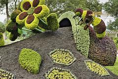 Bees: A Source of Life – Mosaïcultures Internationales de Montréal, Botanical Garden, Montréal, Québec