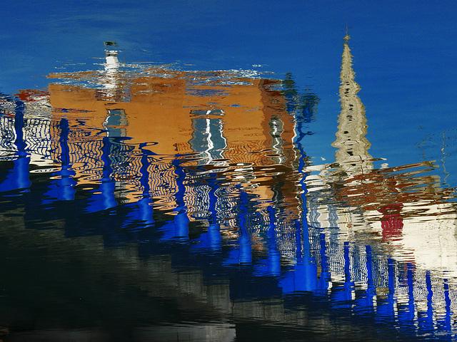 Le pont bleu...................(on black).