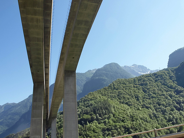 P6265463ac Express Highway to Gothard Pass
