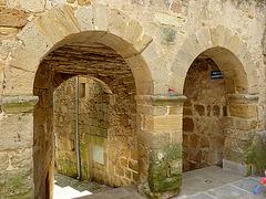 La rue de la Cagarotte et ses portes