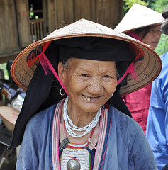 VILLAGE DES  MUONG VIETNAM