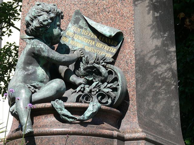 Weiden - Gustav von Schlör-Denkmal