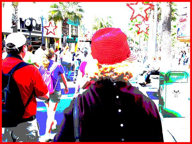 Chapeau hétéroclite / Sexy hatter lady of mature ages !  Disney Horror pictures show - Orlando, Florida. USA / 30 décembre 2006 - Version postérisée