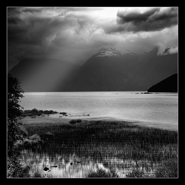 Lago Yelcho_twilight