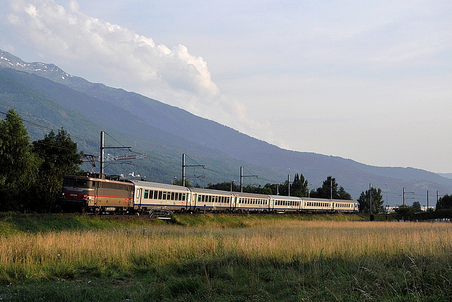 BB 25246 au pied des Alpes