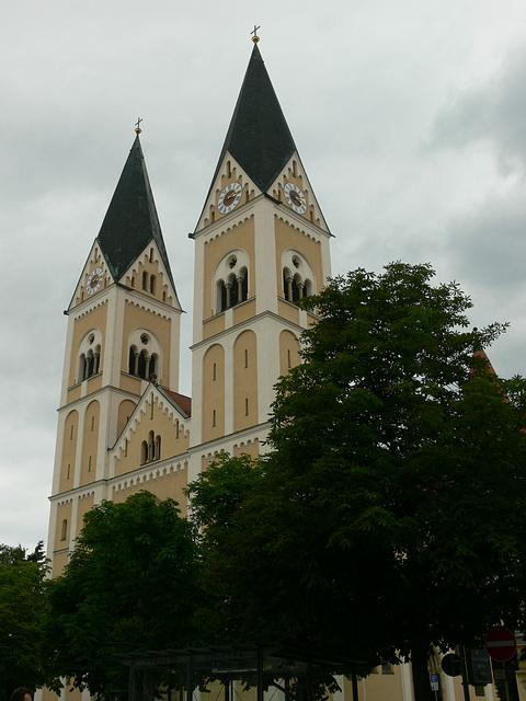 Türme von St. Josef in Weiden