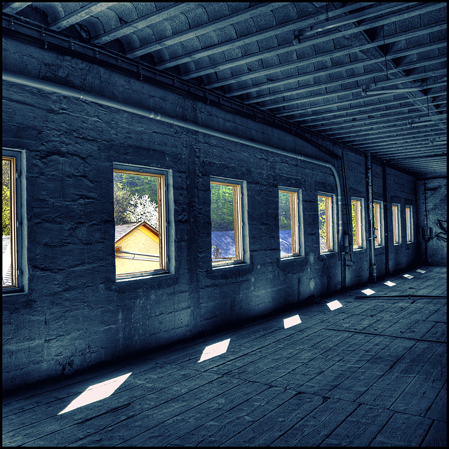 inside_emptiness