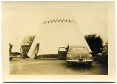 Teepees and Trading Post at Wigwam Village Motel No. 2