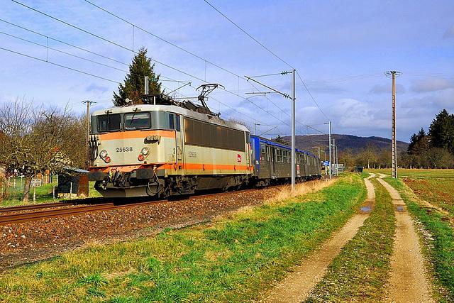 BB 25500 sur la ligne de Lons