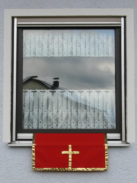 Christlicher Fensterschmuck