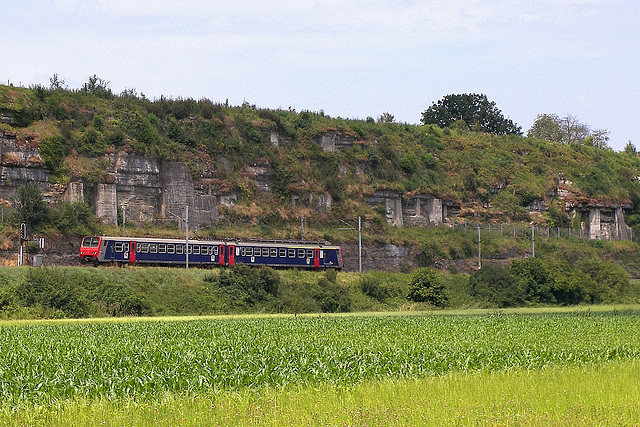 Z 9600 en livrée d'origine dans la vallée du Doubs