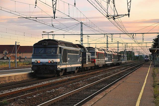 Train de machines coloré
