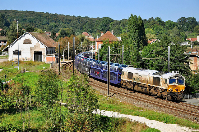 Class 77 dans la vallée du Doubs