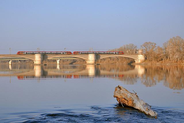 AGC sur le Rhône