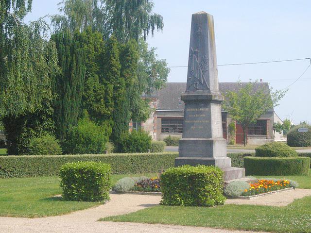 Aschères le Marchè - Kriegerdenkmal
