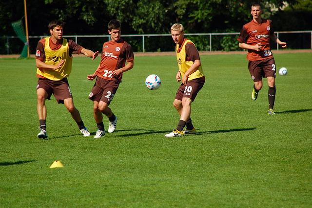 1. Training 2011-2012