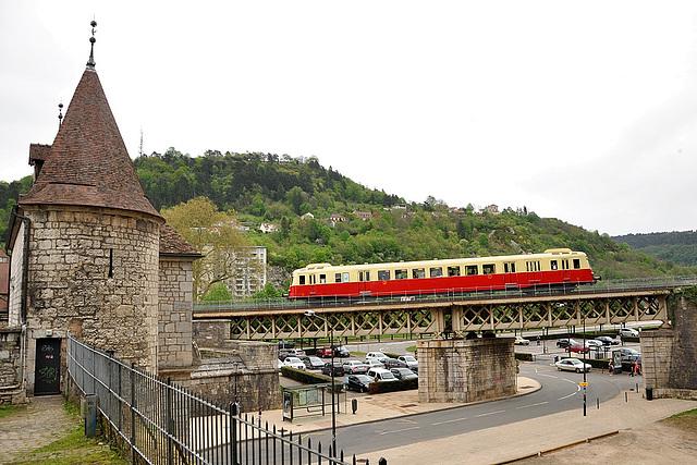 X 2403 à Besançon