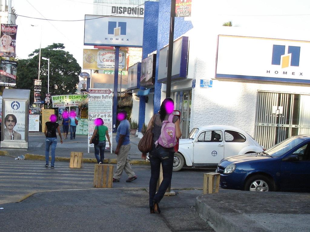 Acapulco, Mexico / 9 février 2011 - À visages cachés - Hidden faces