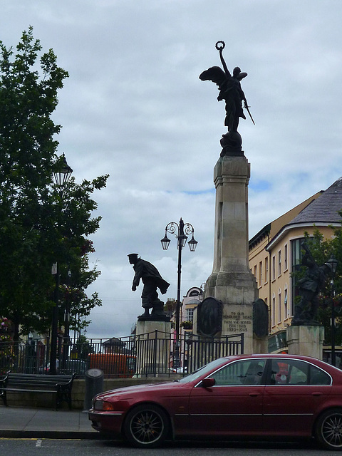 War Memorial in Derry~Londonderry