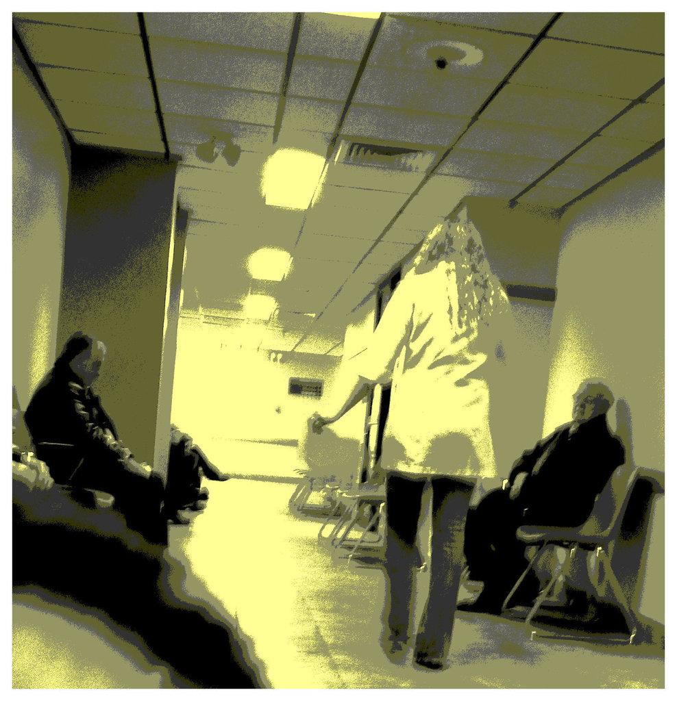 Sex bomb blond secretary in hidden stilettos boots and jeans -  Secrétaire blonde très sexy en bottes à talons aiguilles camouflées- Dans ma ville / Hometown - December 17th 2008  - Vintage postérisé