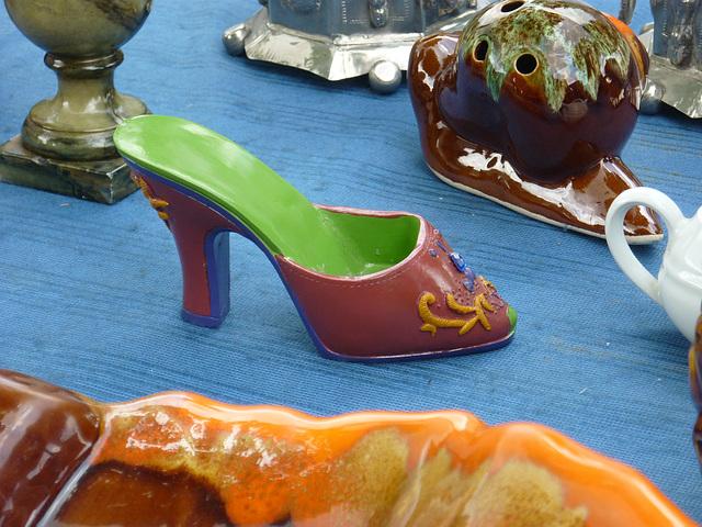 Petite chaussure en porcelaine