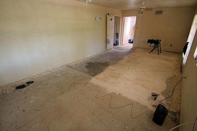 Bedroom Floor - bare concrete (0545)