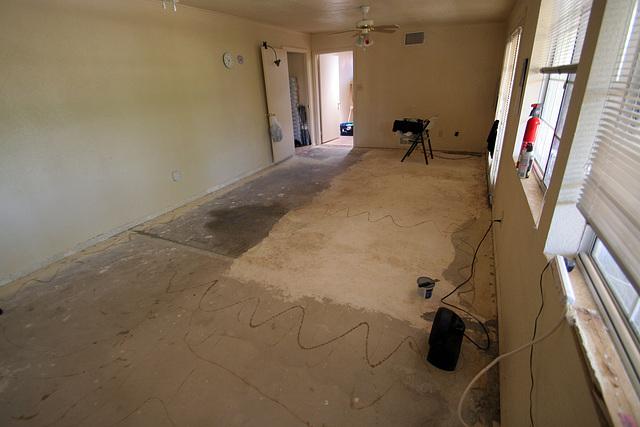 Bedroom Floor - bare concrete (0546)