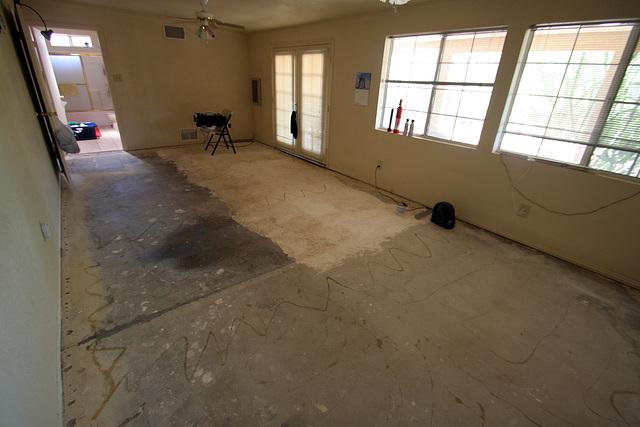 Bedroom Floor - bare concrete (0547)