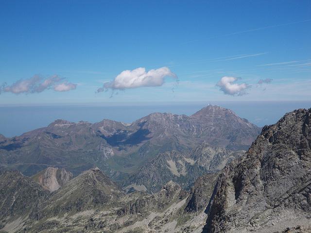 Au sommet du Turon du Néouvielle : Pic du Midi de Bigorre