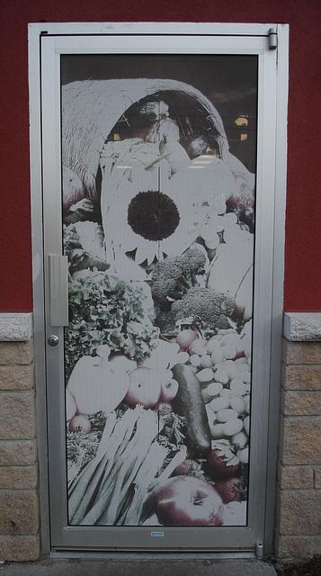 Healthy door  / Porte santé - Dans ma région / Québec. CANADA - 14 juin 2011