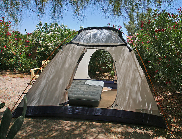Tent - with plastic (0289)
