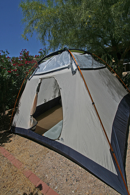 Tent - with plastic (0294)