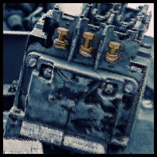 extracted frozen memory_screws still hot