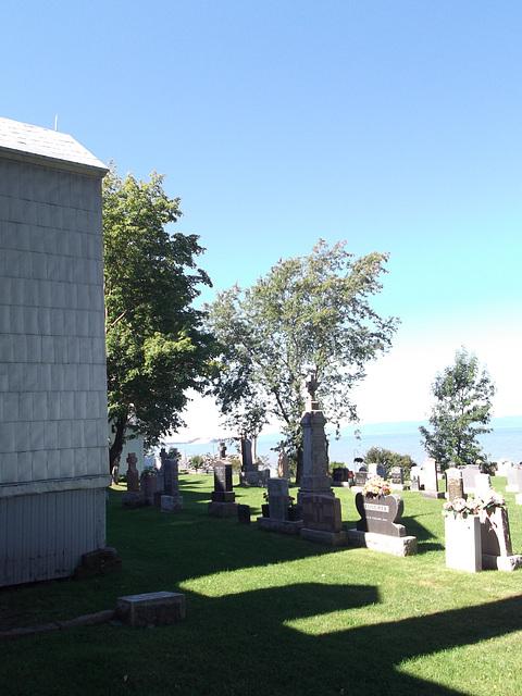 Notre-Dame-du-Portage, Bas du fleuve, Québec - CANADA / 26 août 2011.