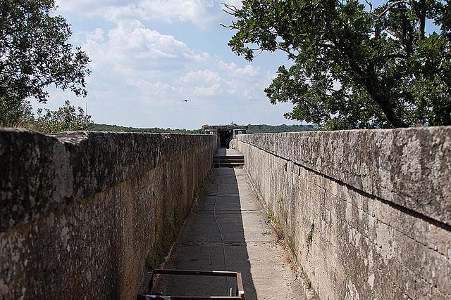 20110606 5120RAw [F] Wasserrinne (Aquädukt) [Pont du Gard]
