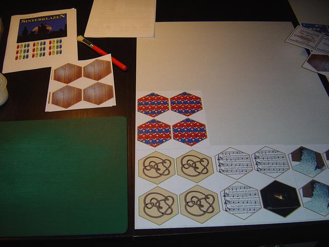Tegels op karton plakken (1)