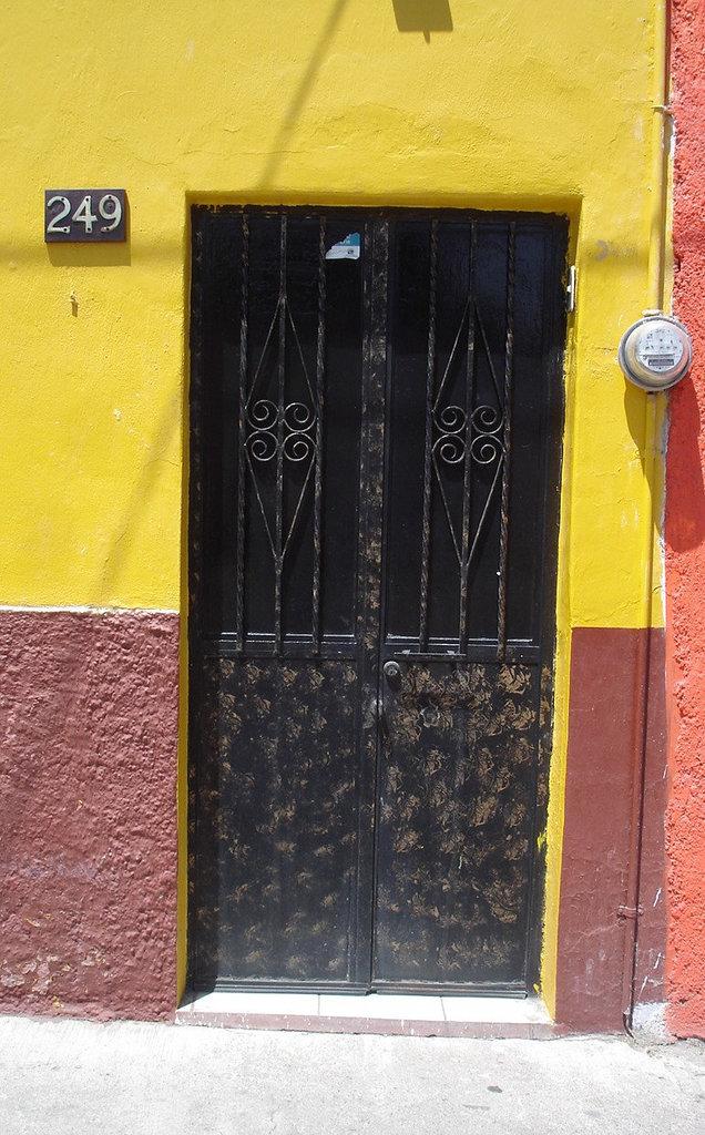 Porte numéro 249 / Door  number 249 - 23 mars 2011