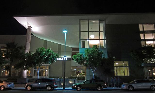 Great L.A. Walk (0572) Santa Monica Public Library